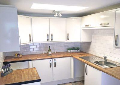 Rent a flat at Rainbow Court Torquay - Kitchen 3
