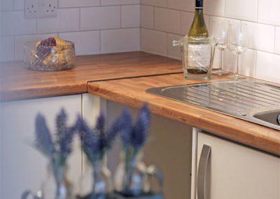Rent a flat at Rainbow Court Torquay - Kitchen